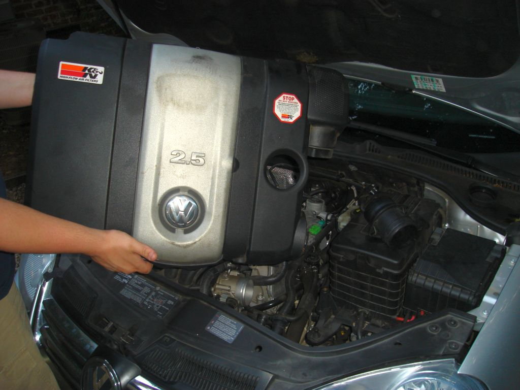 how to remove 2011 volkswagen jetta engine cover  how