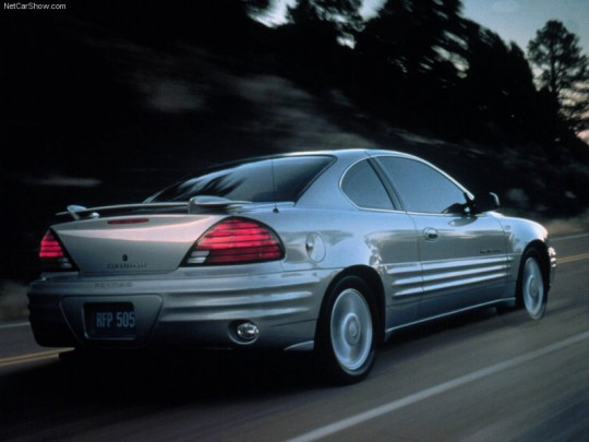 pontiac-grand_am_2001_800x600_wallpaper_06