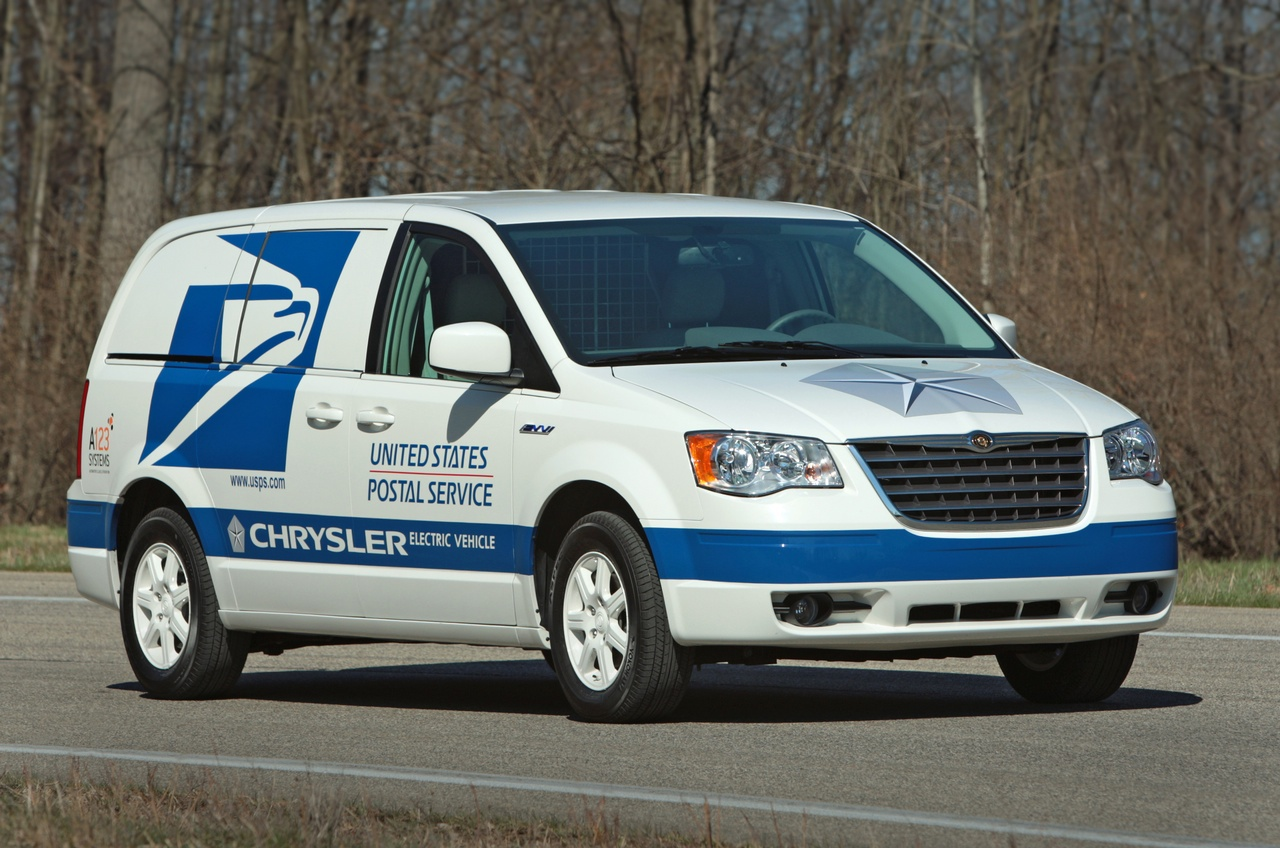 Transit Town Dodge >> Chrysler Introduces Postal Service Electric Vans