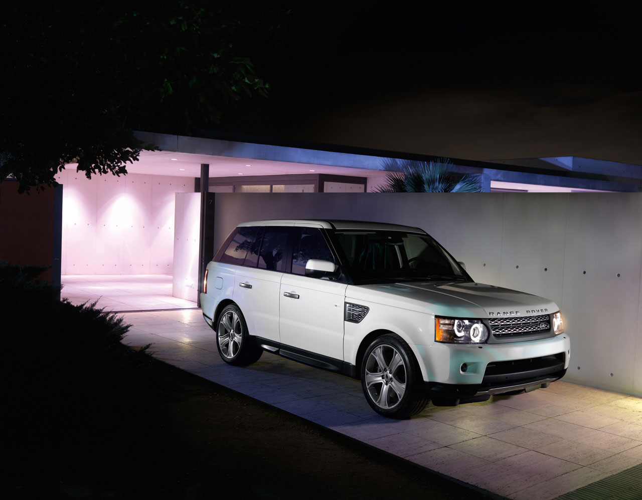 new york 2009 2010 range rover sport supercharged. Black Bedroom Furniture Sets. Home Design Ideas