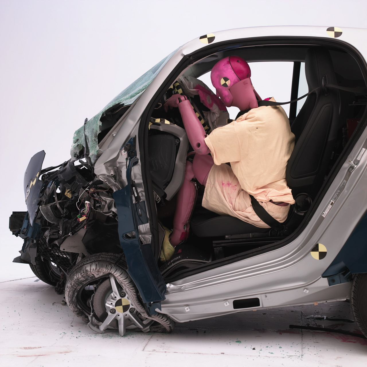 iihs tests small cars in crash tests. Black Bedroom Furniture Sets. Home Design Ideas