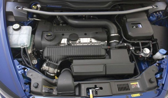 Volvo C30 T5 engine