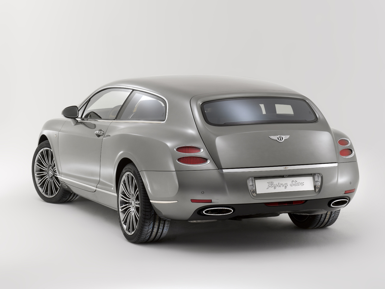 Bentley continental flying star at geneva it works to bentleys benefit to cooperate because they dont have to undertake the engineering and associated cost to produce the model vanachro Choice Image