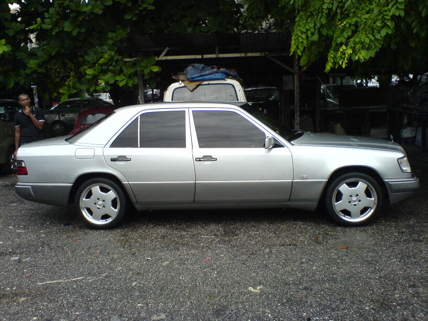 A future classic gets some tweaking 1990 mercedes benz for Old mercedes benz parts