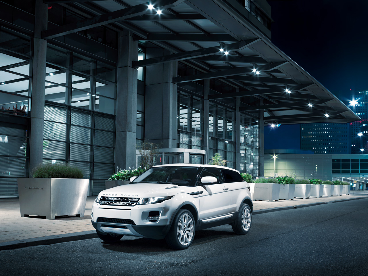 Report says Land Rover Evoque convertible could be in the works