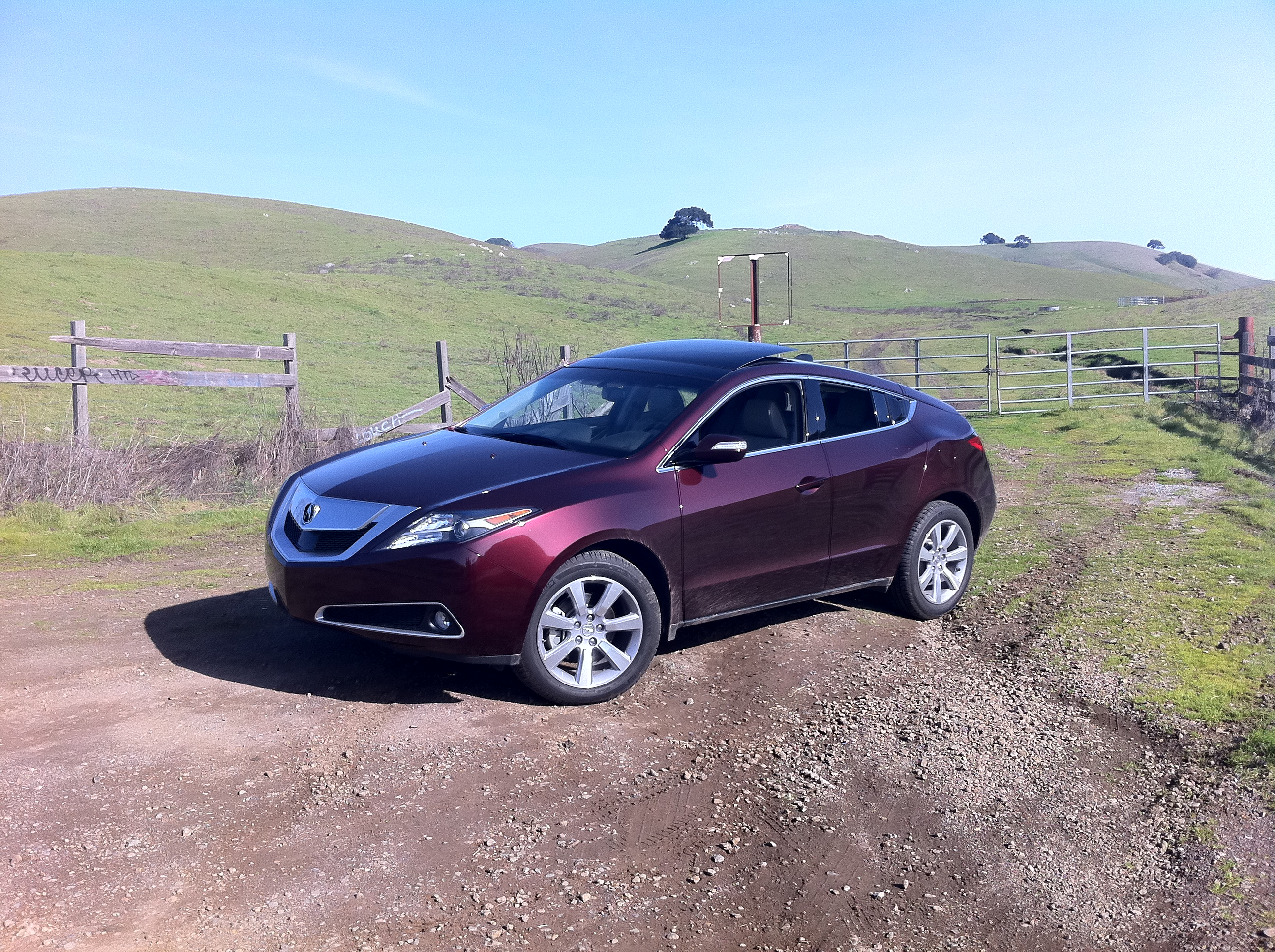 2011 acura zdx review defying categorization. Black Bedroom Furniture Sets. Home Design Ideas