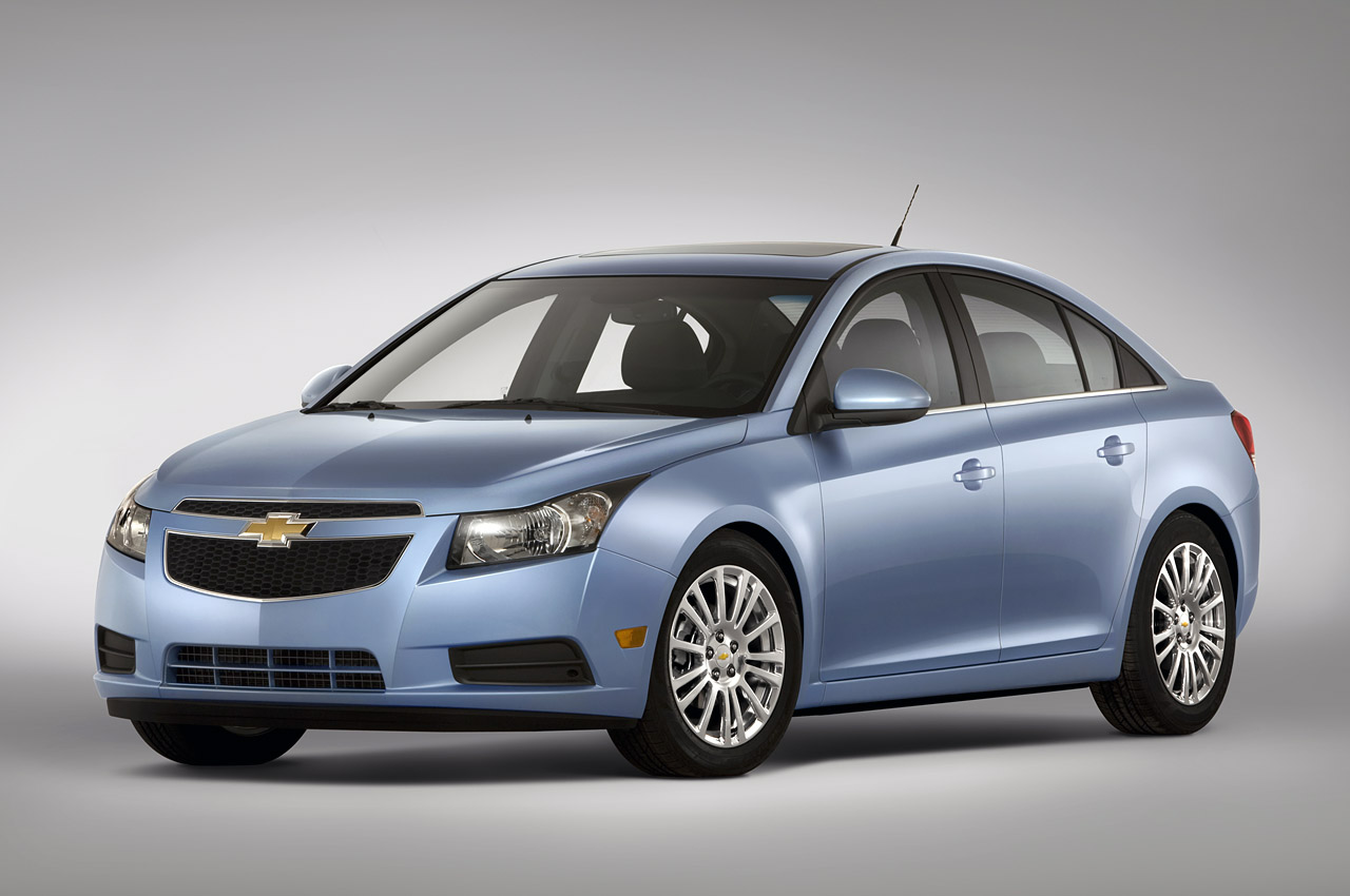 2011 chevrolet cruze eco review chevy 39 s top notch small car. Black Bedroom Furniture Sets. Home Design Ideas