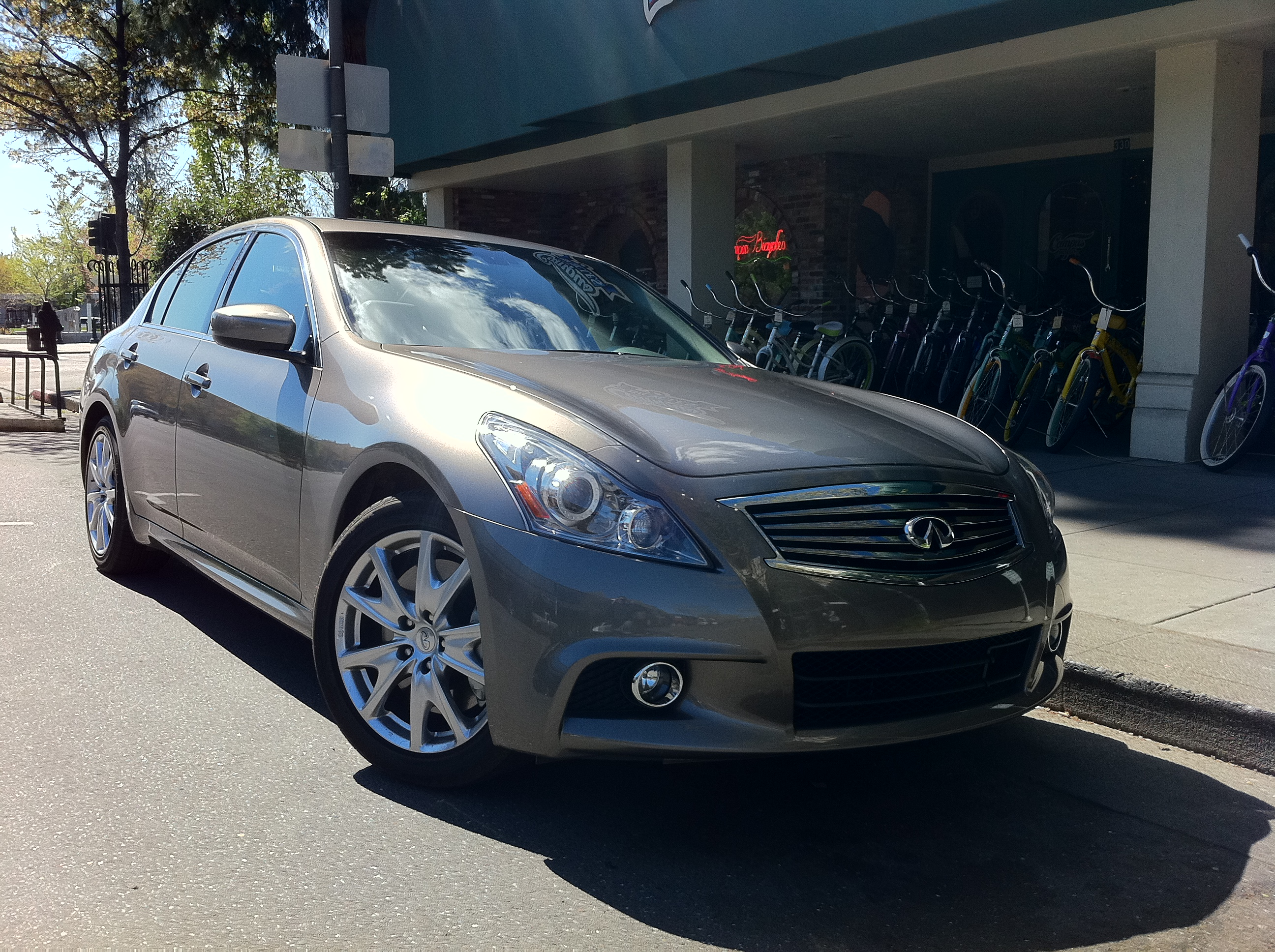 Review 2011 Infiniti G37 Making Its Mark As A Drivers Car