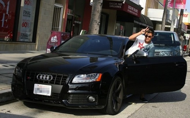 Zac Efron S Audi S5 Even High School Stars Get Parking Fines