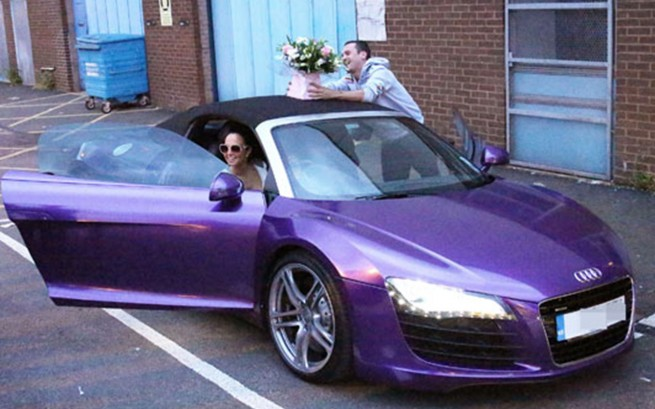 tulisa 39 s new purple audi r8 spyder. Black Bedroom Furniture Sets. Home Design Ideas