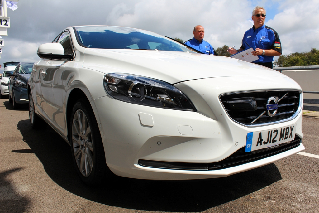 Goodwood Fos Volvo V40 And Cessna 172s Skyhawk First Drives