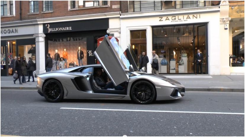 Never Drive Your Aventador With The Doors Open You Ll Look Like A Dick