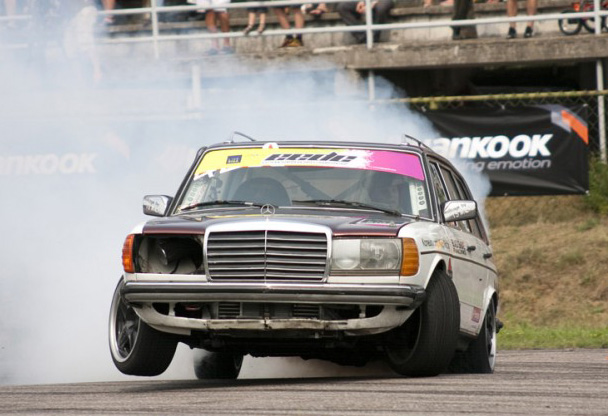 Benz Drift Car >> This Evil Diesel Mercedes Wagon Makes All Other Drift Cars Look Like
