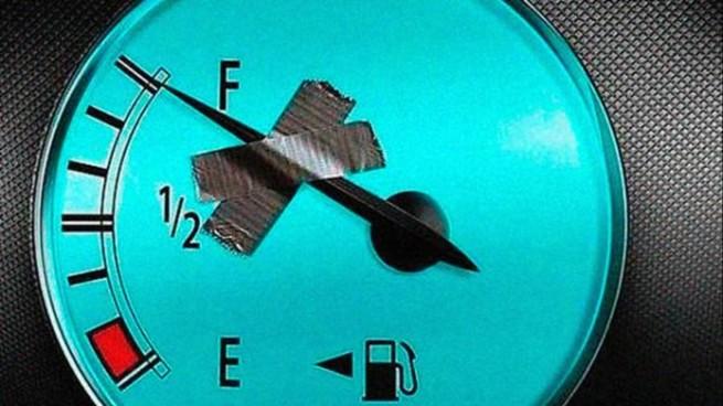 duct tape fuel gauge