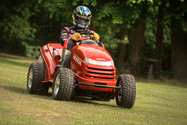 Meet Honda S Crazy 130mph Ride On Lawn Mower