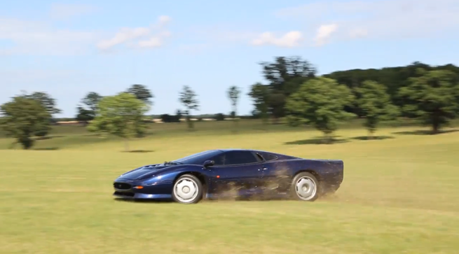 jaguar-xj220-sideways