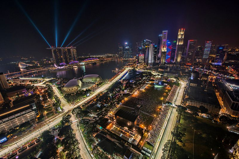 You can never have enough money, at least not in Singapore. So, even if you have a full-time job or are a full-time student, you might find yourself wondering how you can make a bit of extra cash on the side with a part-time job or weekend job.