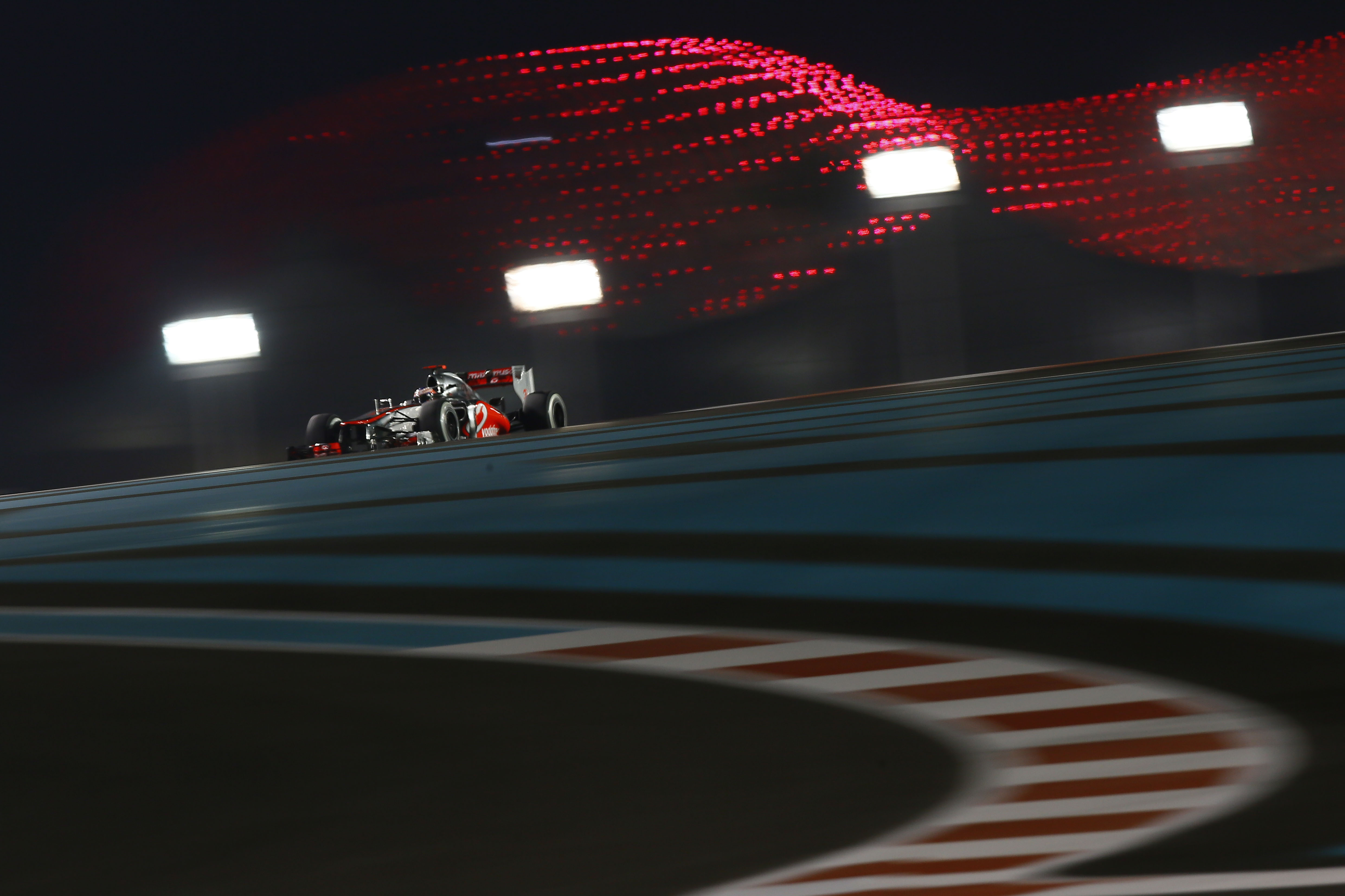 5 Things You Might Not Know About The Abu Dhabi Grand Prix Starting Lights Image Source Vodafone Mclaren Mercedes