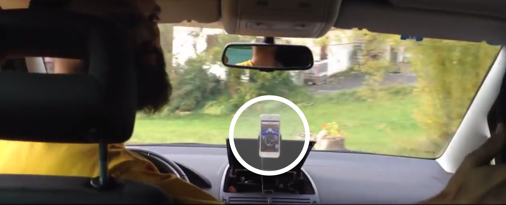 RjDj's app senses acceleration and turning forces whilst placed on dashboard