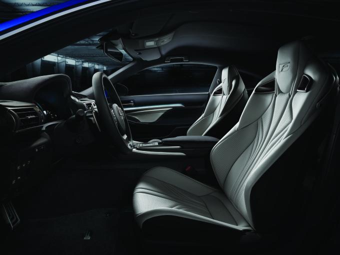 Lexus RC-F 4
