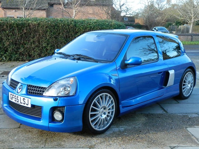 classifieds 39 car of the day raucous renault clio v6. Black Bedroom Furniture Sets. Home Design Ideas