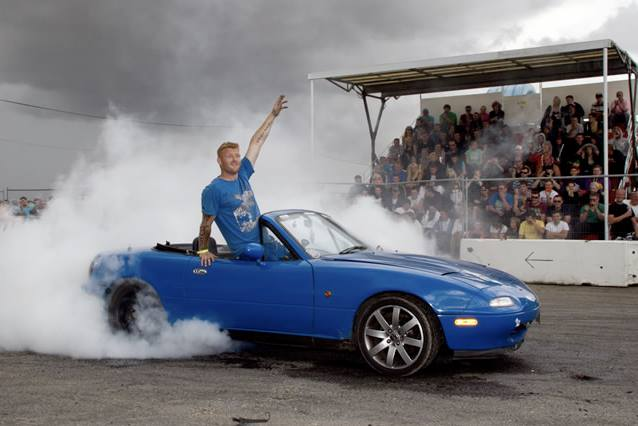 Mazda MX-5 burnout