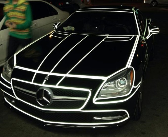 Get a load of this tron inspired mercedes slk for Mercedes benz glowing star