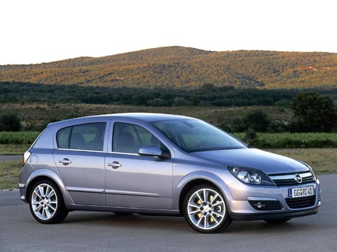 Opel-Astra-H-Hatchback