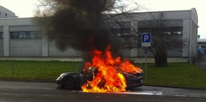 911 fire Porsche