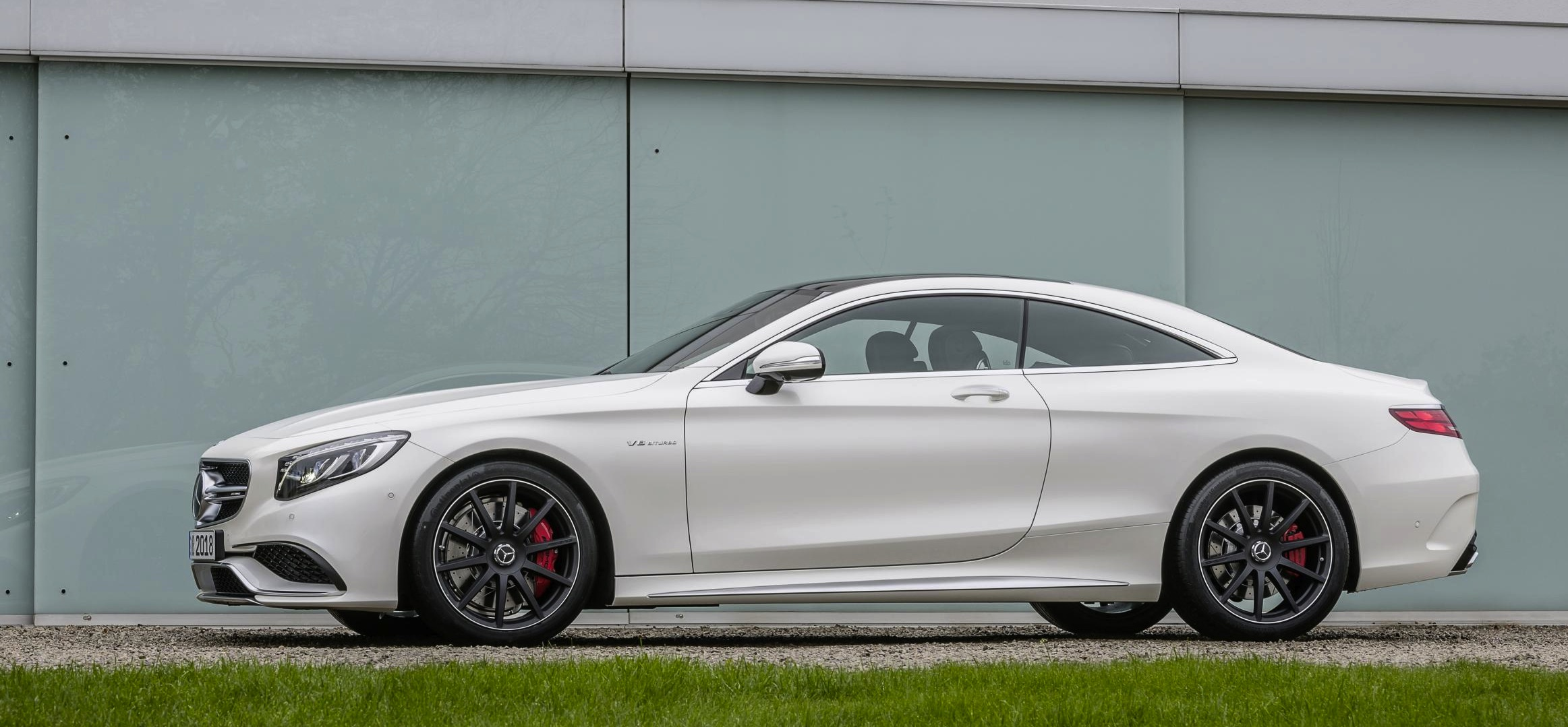 the 577bhp mercedes s63 amg coupe is so gorgeous it needs a nsfw warning. Black Bedroom Furniture Sets. Home Design Ideas
