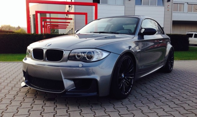 a 1m replica with the e60 m5 39 s v10 heart is the perfect bmw. Black Bedroom Furniture Sets. Home Design Ideas